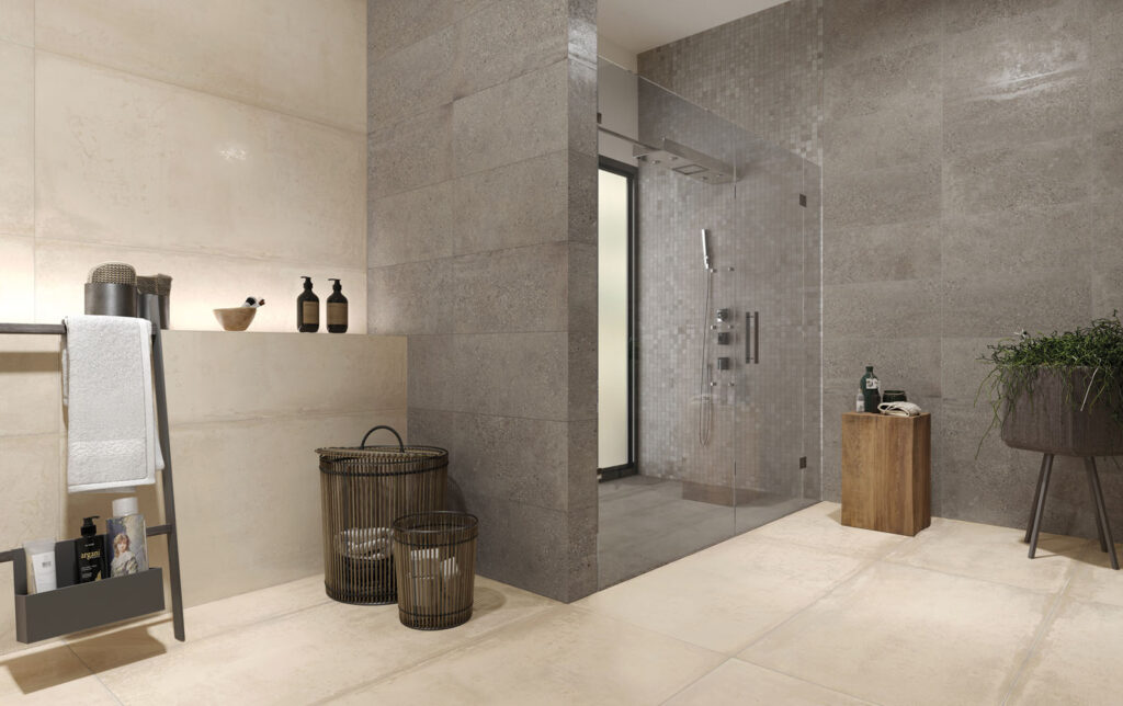 Badezimmer in Beton-Optik mit modernen Mosaik-Fliesen